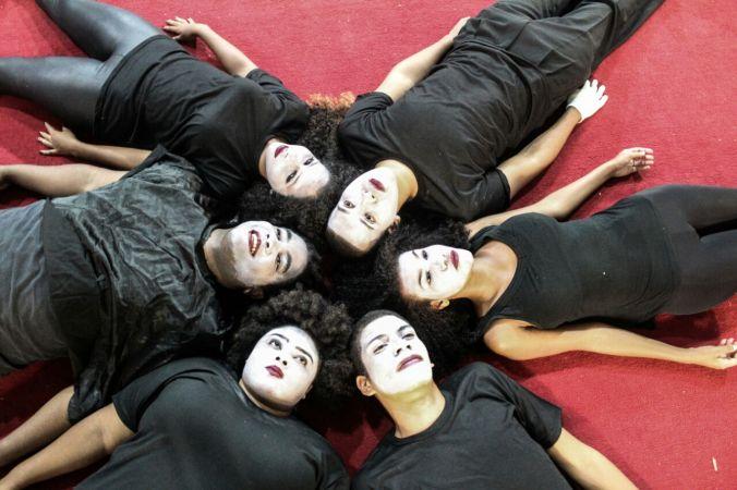 Trupe de Teatro 4.COM | CORPO E ALMA - EM VERSO E PROSA